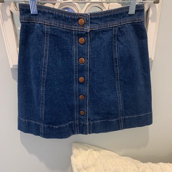 Madewell Dresses & Skirts - Madewell button front denim skirt
